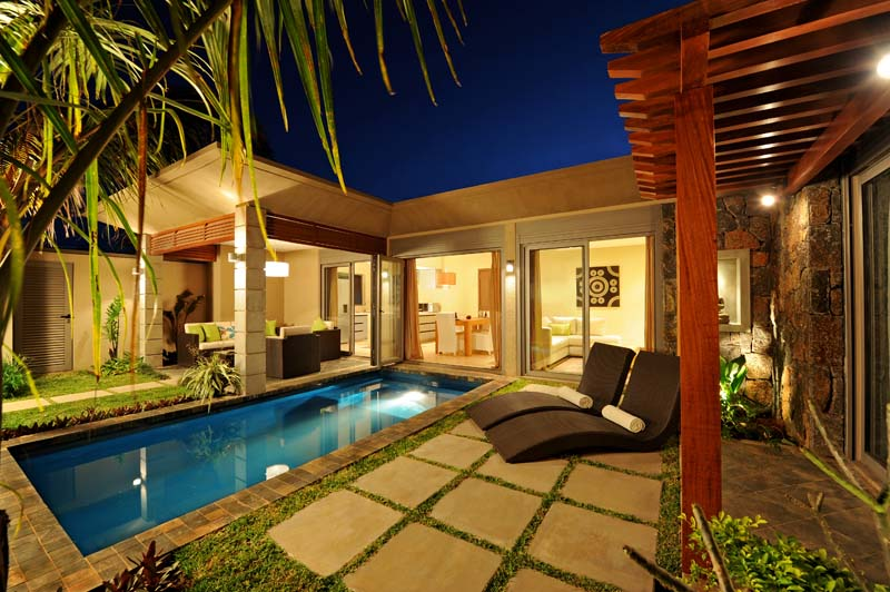 Villa marine villa moderne avec piscine et jardin prive a for Jardin 150m2