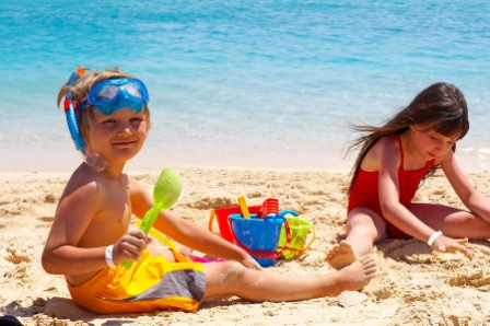 bigstock_Kids_At_The_Beach_1791265(5)