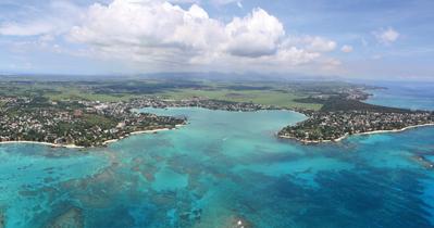 vue-aerienne-de-grand-baie-ile-maurice